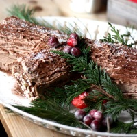 Chocolate & Cream Yule Log